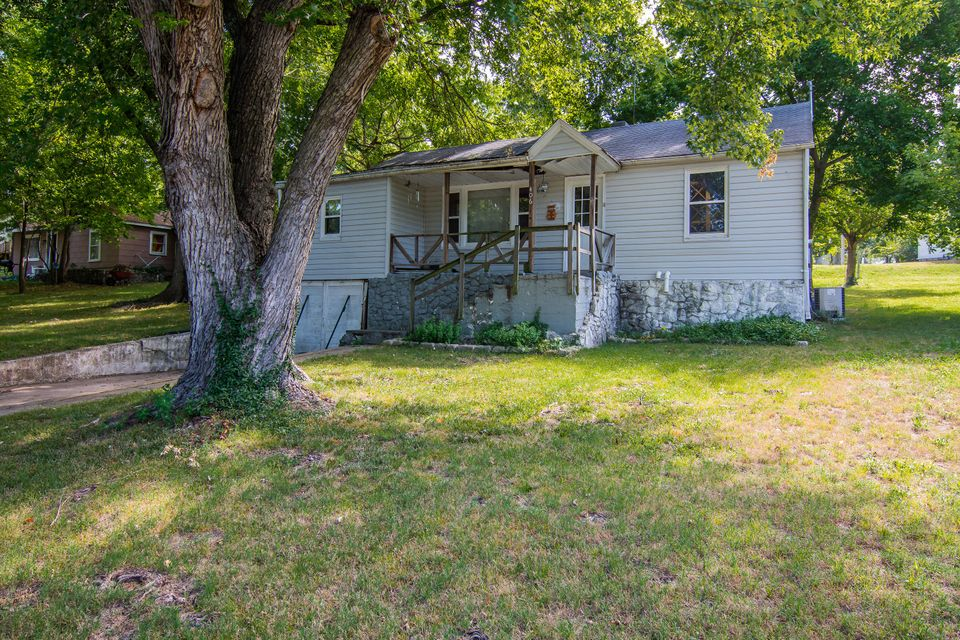 406 South 1St Ozark Mo 65721