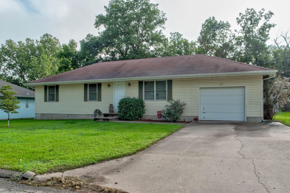 310 South Basswood Republic Mo 65738