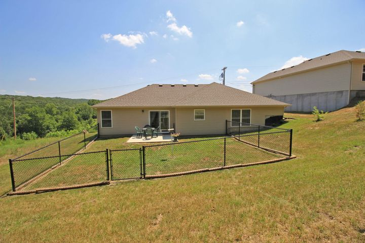 IMMACULATE HOME IN SPRING MEADOWS, CLOSE TO BRANSON