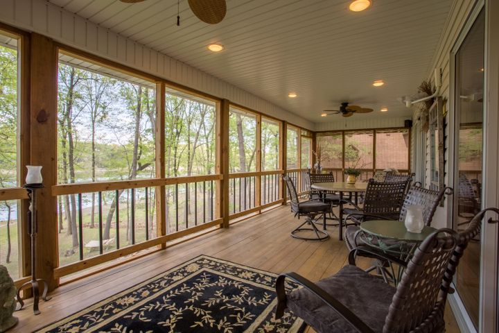 LAKEFRONT IN SHELL KNOB, MO  28307 FOX FIRE LANE