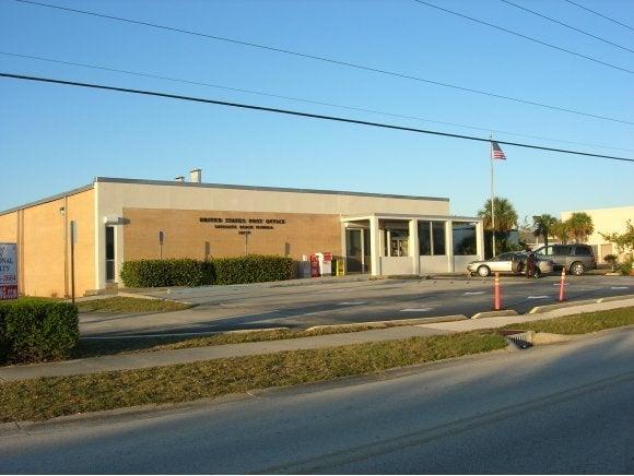 Commercial pour l Vente à 210 Jackson Avenue 210 Jackson Avenue Satellite Beach, Florida 32937 États-Unis