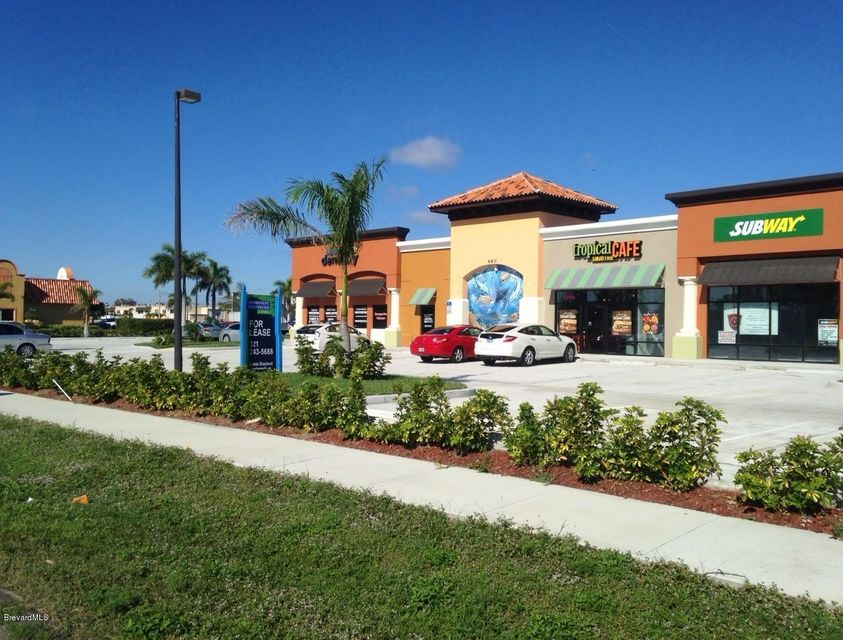 Comercial por un Alquiler en 660 E Eau Gallie Indian Harbour Beach, Florida 32937 Estados Unidos
