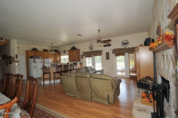 Additional photo for property listing at 415 Stacy Grove 415 Stacy Grove Oak Hill, Florida 32759 United States