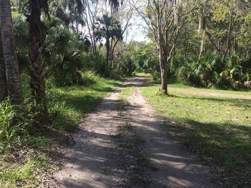 Additional photo for property listing at U S Hwy 1 U S Hwy 1 Oak Hill, Florida 32759 United States