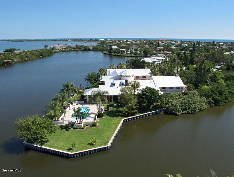 Single Family Home for Sale at 460 Ross Melbourne Beach, Florida 32951 United States