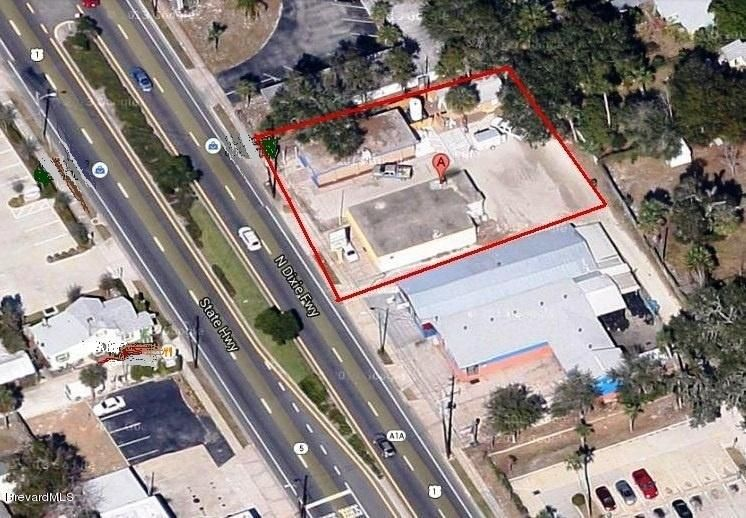Commercial for Sale at 629 N Dixie Fwy New Smyrna Beach, Florida 32168 United States