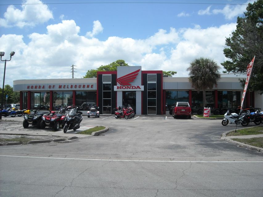 Commercial for Rent at 790 S Apollo Melbourne, Florida 32901 United States