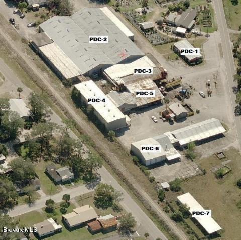 Comercial por un Venta en 3320 Main Street Mims, Florida 32754 Estados Unidos