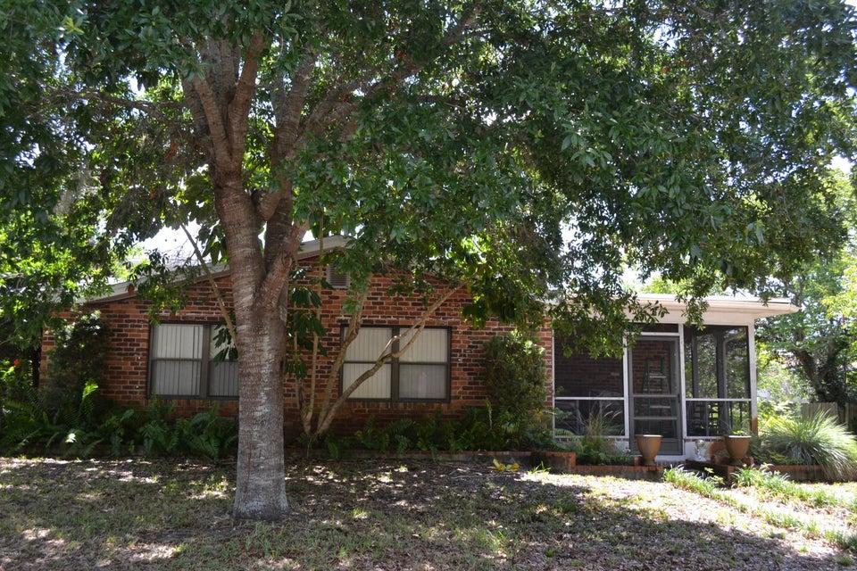 585 Ora Dell Avenue, Titusville, FL 32796