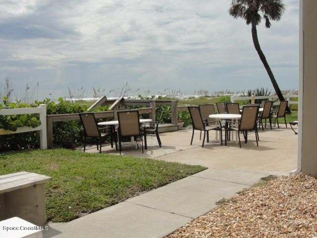 Additional photo for property listing at 2625 S Atlantic 2625 S Atlantic Cocoa Beach, Florida 32931 Stati Uniti
