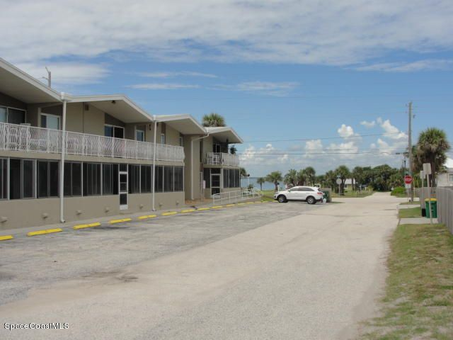 Additional photo for property listing at 2625 S Atlantic 2625 S Atlantic Cocoa Beach, Florida 32931 Estados Unidos