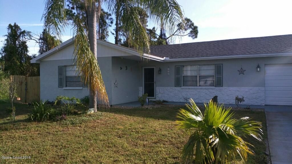 Single Family Home for Rent at 215 Capron 215 Capron Cocoa, Florida 32927 United States
