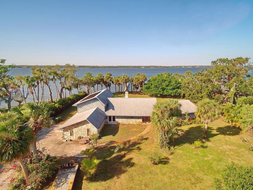 5495 Tropical Trl, Merritt Island, FL 32952