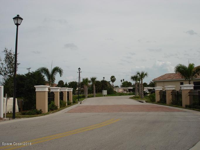 Maison unifamiliale pour l Vente à 524 Siena 524 Siena Satellite Beach, Florida 32937 États-Unis