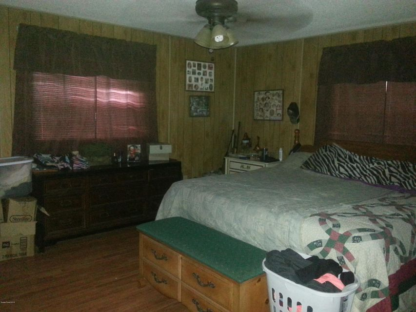 Additional photo for property listing at 145 W Brooks 145 W Brooks Oak Hill, Florida 32759 United States