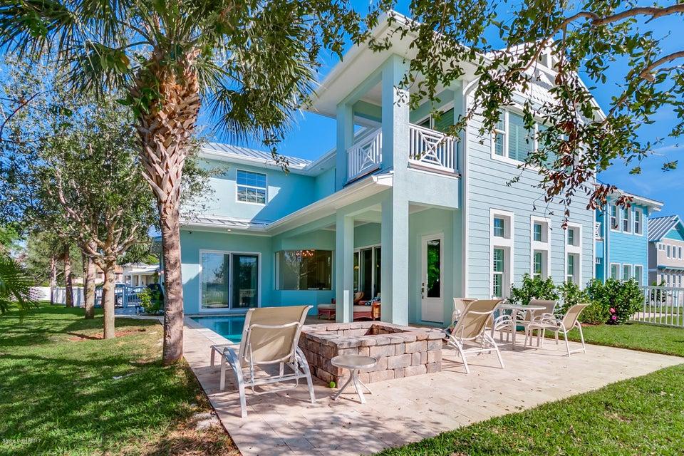 11 Cottage Court, Cocoa Beach, FL 32931