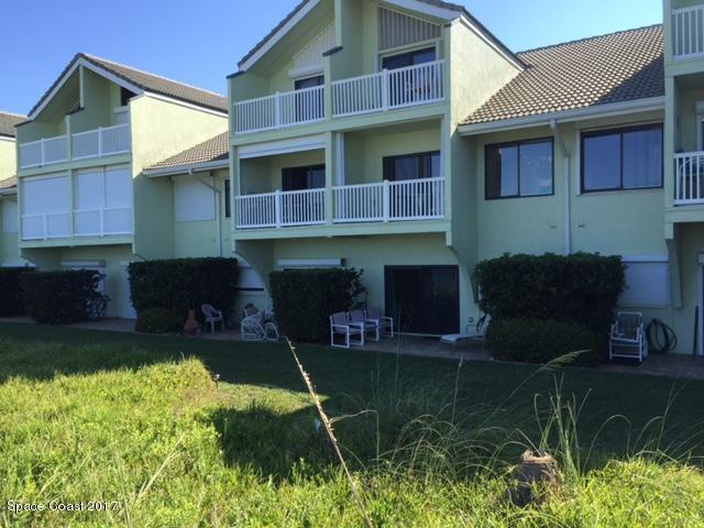 Moradia para Arrendamento às 2585 S Highway A1a Melbourne Beach, Florida 32951 Estados Unidos