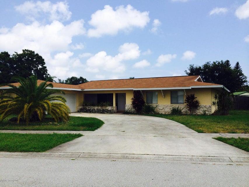 945 Waialae Circle, Palm Bay, FL 32905