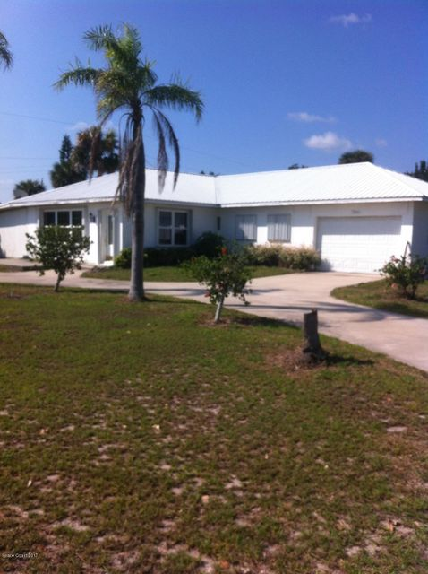 Single Family Home for Sale at 7360 Highway 1 7360 Highway 1 Micco, Florida 32976 United States
