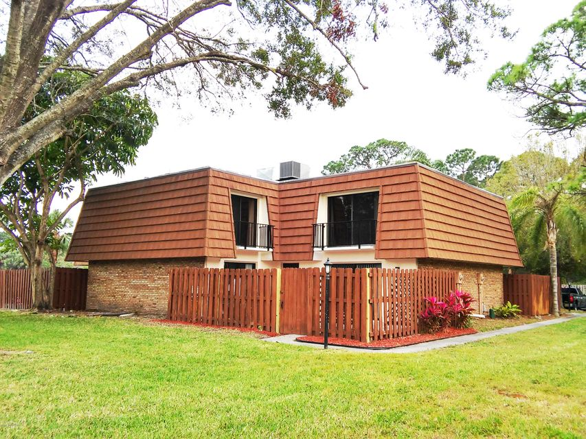 1713 Dan Court, Palm Bay, FL 32905