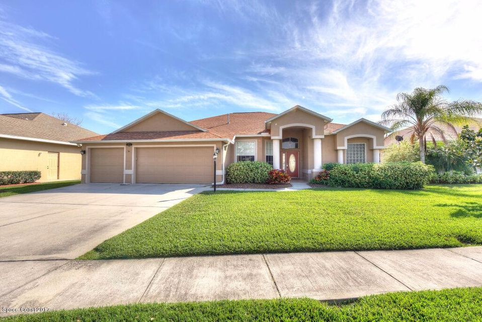 2172 Woodfield Circle, West Melbourne, FL 32904
