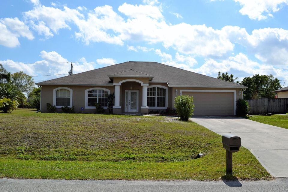 1050 Beacon Street, Palm Bay, FL 32907