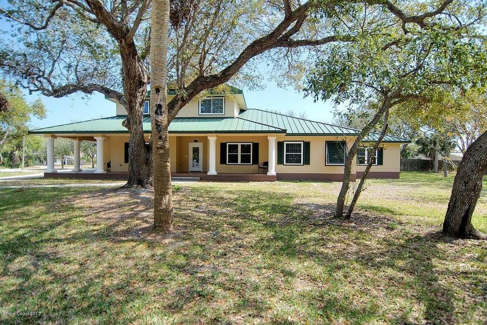 Maison unifamiliale pour l Vente à 210 Holman Cape Canaveral, Florida 32920 États-Unis