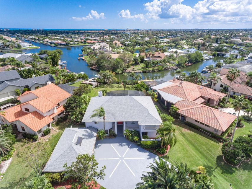 Maison unifamiliale pour l Vente à 465 Lanternback Island Satellite Beach, Florida 32937 États-Unis