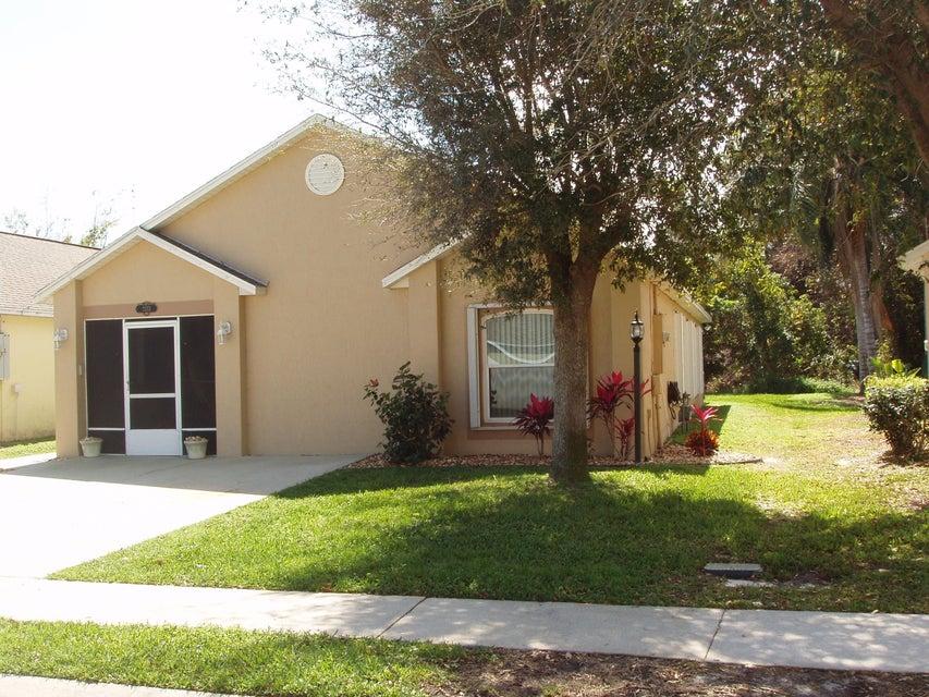 2213 Redwood Circle, Palm Bay, FL 32905