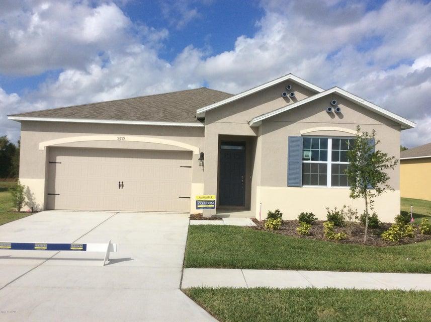 716 SE Remington Green Drive, Palm Bay, FL 32909