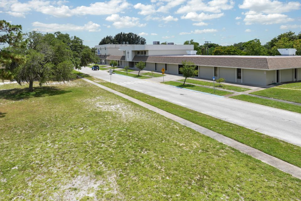 Commercial for Sale at 1619 Ferndale Avenue Melbourne, Florida 32935 United States