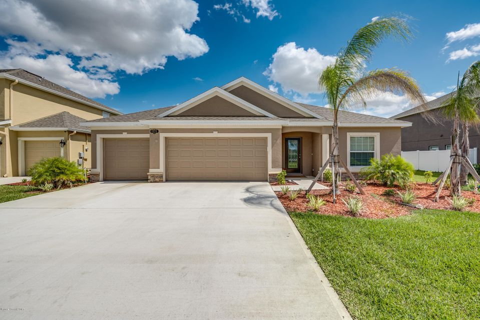 2271 Snapdragon Drive, Palm Bay, FL 32907