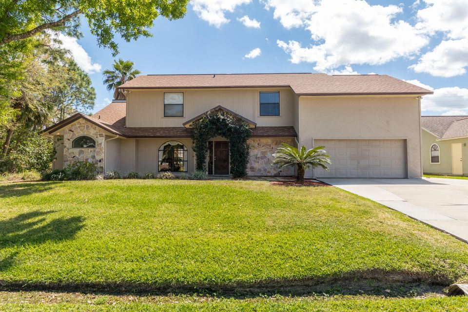 190 Olivick Circle, Palm Bay, FL 32907