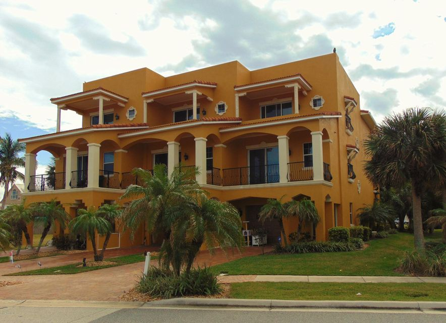 Casa Multifamiliar por un Venta en 607 Washington 607 Washington Cape Canaveral, Florida 32920 Estados Unidos