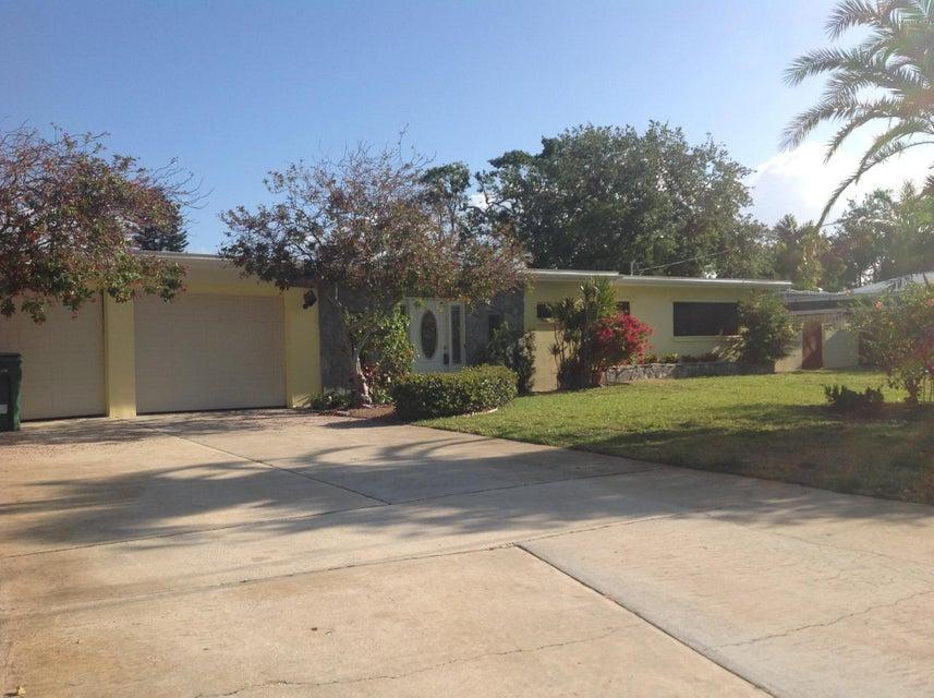 453 Capri Road, Cocoa Beach, FL 32931