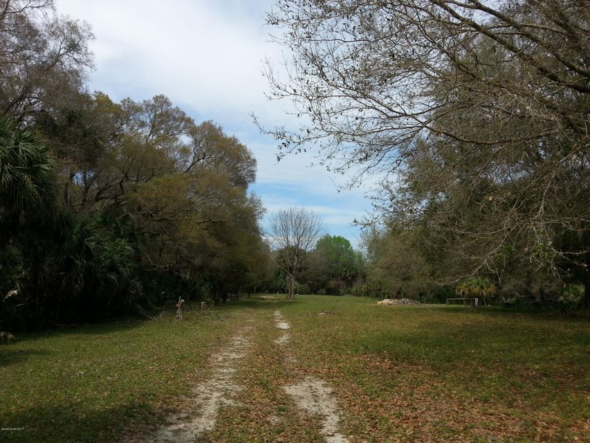Additional photo for property listing at 150 County Line Ditch 150 County Line Ditch Oak Hill, Florida 32759 United States
