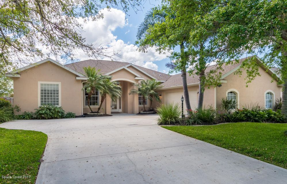 2533 Woodfield Circle, West Melbourne, FL 32904