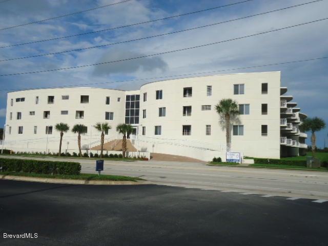 Villa per Affitto alle ore 601 N Miramar Indialantic, Florida 32903 Stati Uniti