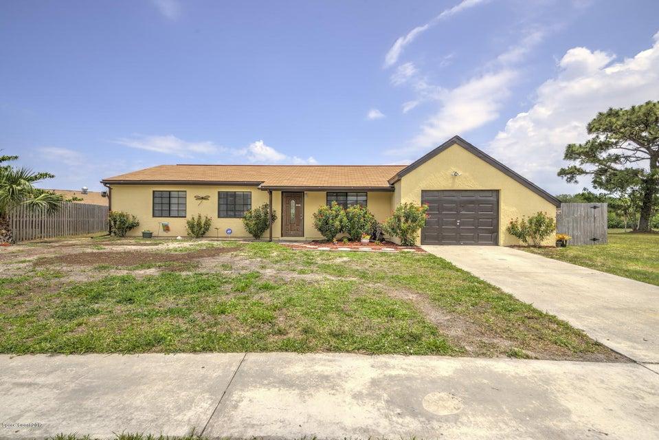 1470 Carr Circle, Palm Bay, FL 32905