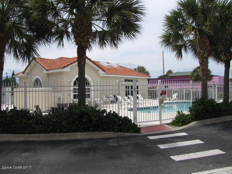 Casa Unifamiliar por un Alquiler en 105 Pulsipher 105 Pulsipher Cocoa Beach, Florida 32931 Estados Unidos