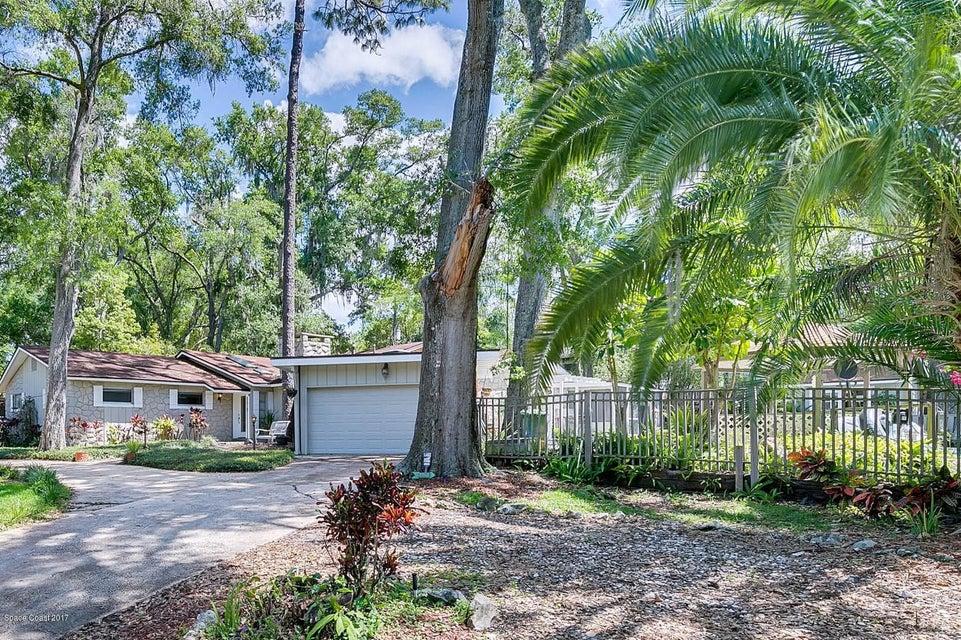 Nhà ở một gia đình vì Bán tại 650 Lake Altamonte Springs, Florida 32701 Hoa Kỳ