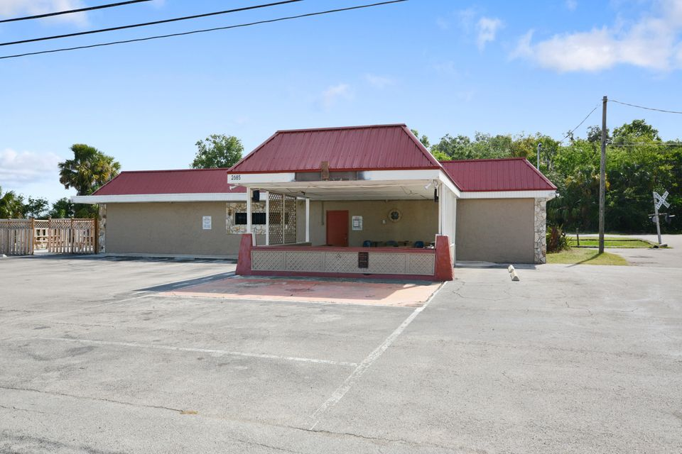Comercial por un Venta en 2685 Highway 1 2685 Highway 1 Mims, Florida 32754 Estados Unidos