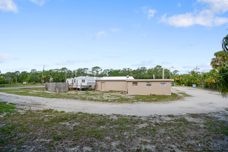 Additional photo for property listing at 2685 Highway 1 2685 Highway 1 Mims, Florida 32754 United States