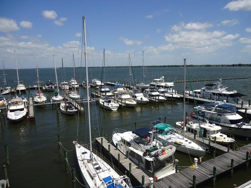 Moradia para Arrendamento às 93 Delannoy Cocoa, Florida 32922 Estados Unidos
