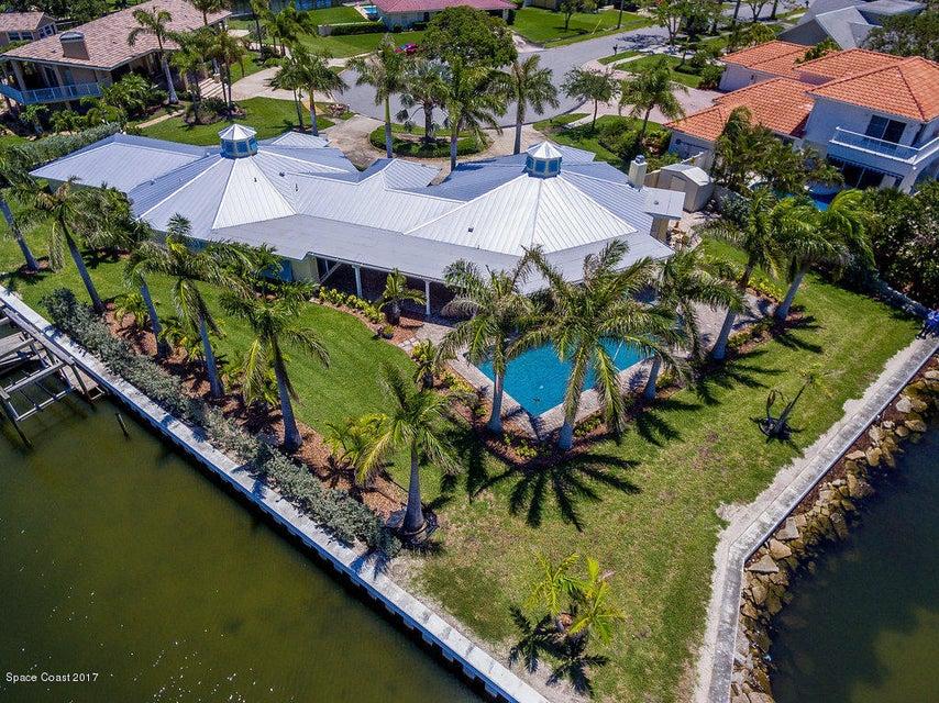 Casa para uma família para Venda às 847 Malibu Indialantic, Florida 32903 Estados Unidos