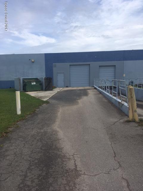 Additional photo for property listing at 10300 99th Way 10300 99th Way Sebastian, Florida 32958 United States
