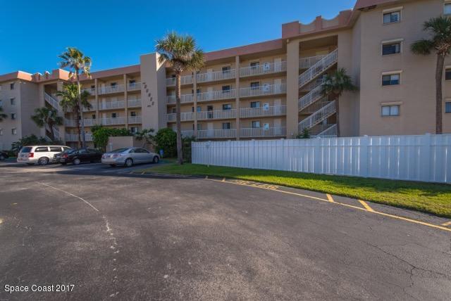 Villa per Affitto alle ore 1415 N Highway A1a Indialantic, Florida 32903 Stati Uniti