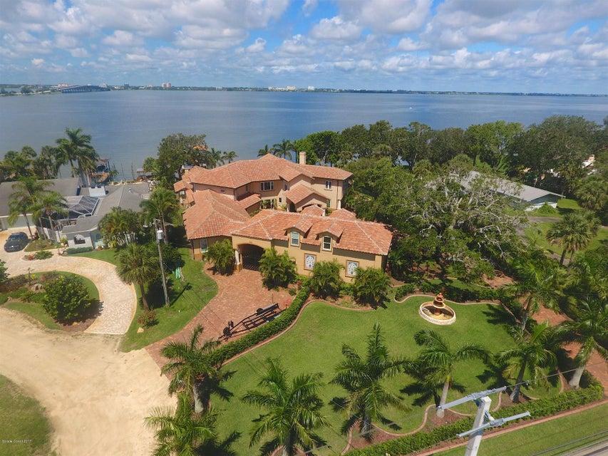 Einfamilienhaus für Verkauf beim 604 N Riverside Indialantic, Florida 32903 Vereinigte Staaten