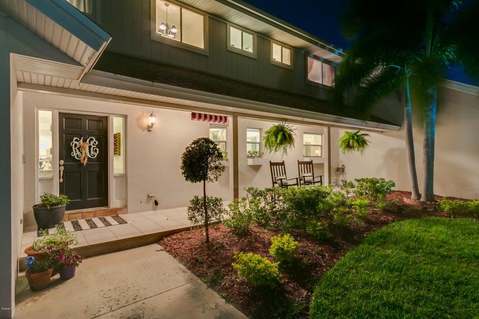 Maison unifamiliale pour l Vente à 657 Franklyn Indialantic, Florida 32903 États-Unis