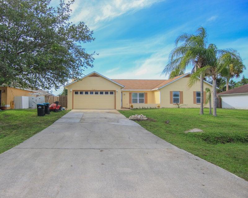 741 Americana Boulevard, Palm Bay, FL 32907